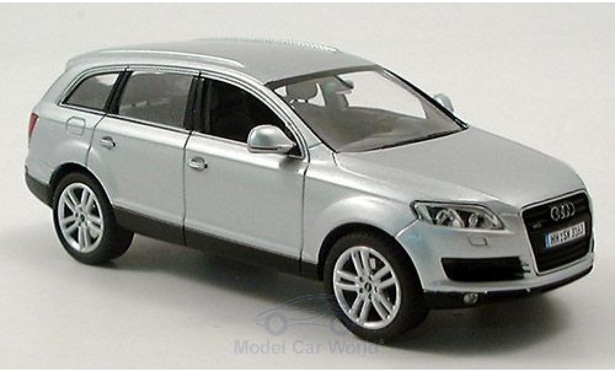 Audi Q7 1/43 Schuco grise