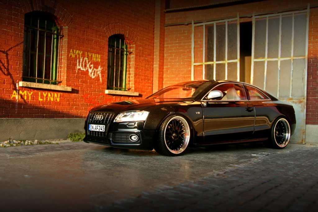 Audi S5 1/18 Norev noire jantes alu 19 pouces diffuseur carbone