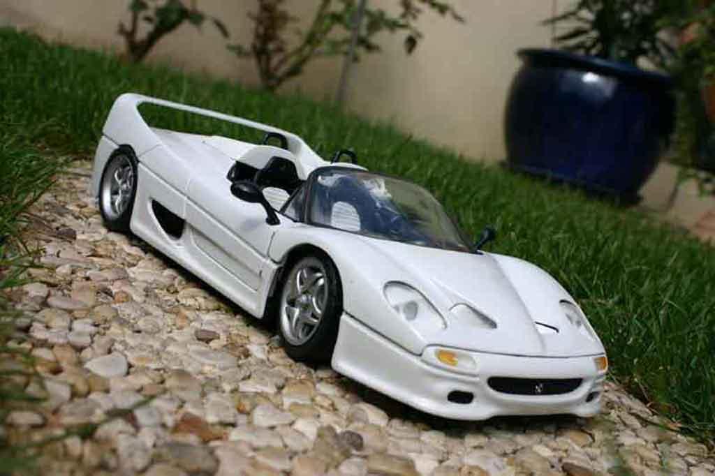 Ferrari F50 bianco tuning Maisto. Ferrari F50 bianco modellini 1/18