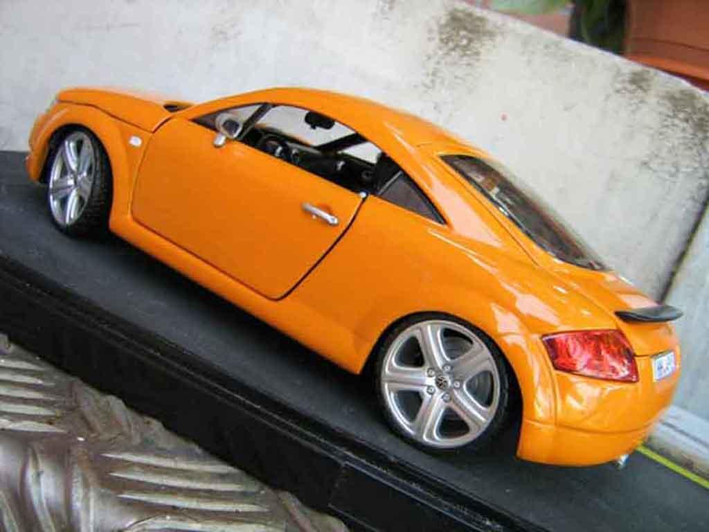 Audi TT coupe orangesignal porsche jantes touareg tuning Revell. Audi TT coupe orangesignal porsche jantes touareg miniature modèle réduit 1/18