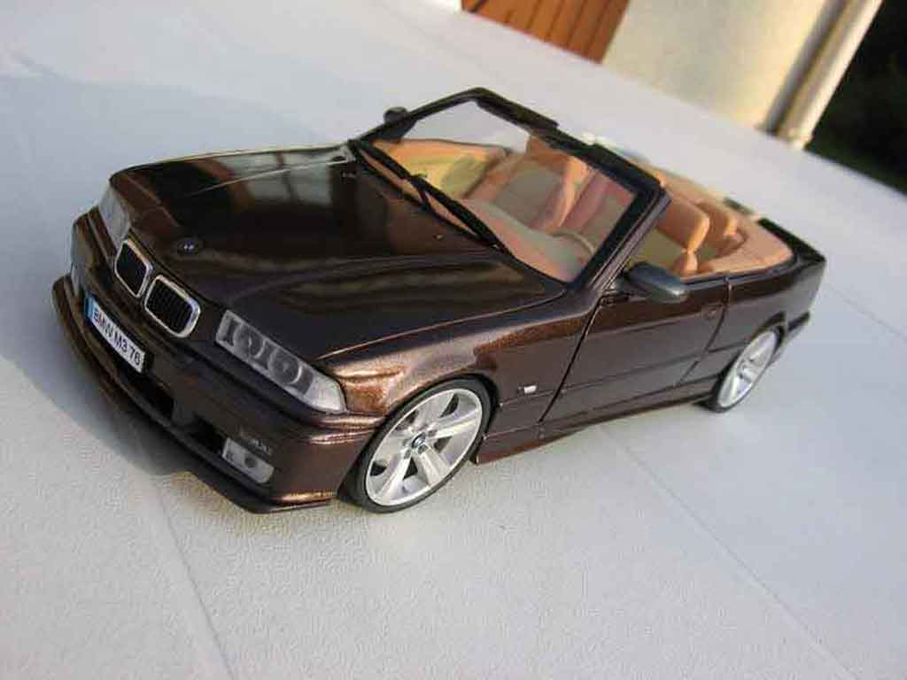 Bmw M3 E36 cabriolet 1/18 Ut Models jantes e92 interieur cuir biton tuning diecast model cars
