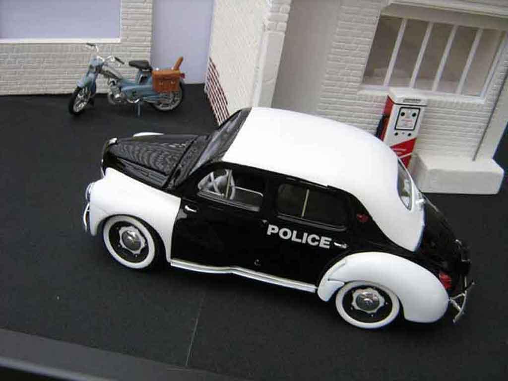 Renault 4CV 1/18 Solido police / gendarmerie