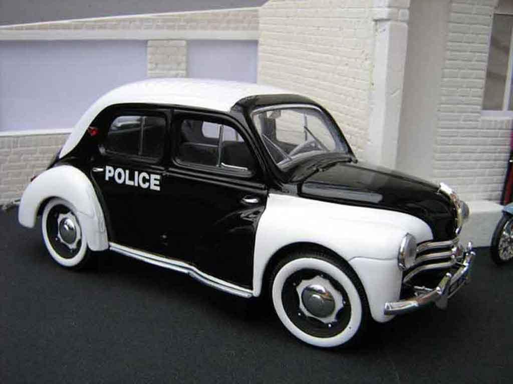 Renault 4CV 1/18 Solido police / gendarmerie tuning miniature