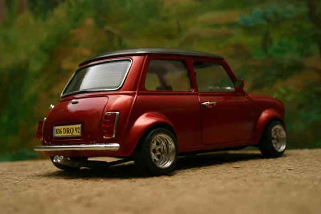 Austin Mini Cooper 1/18 Burago racing