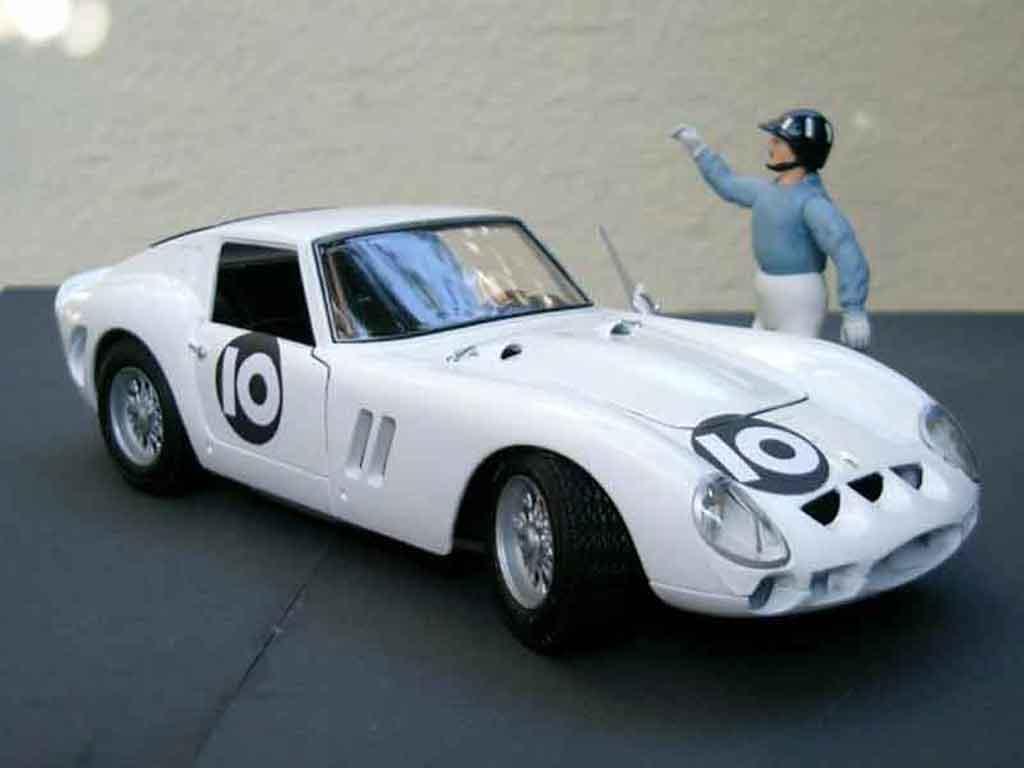 Ferrari 250 GTO 1/18 Burago graham hill bianca