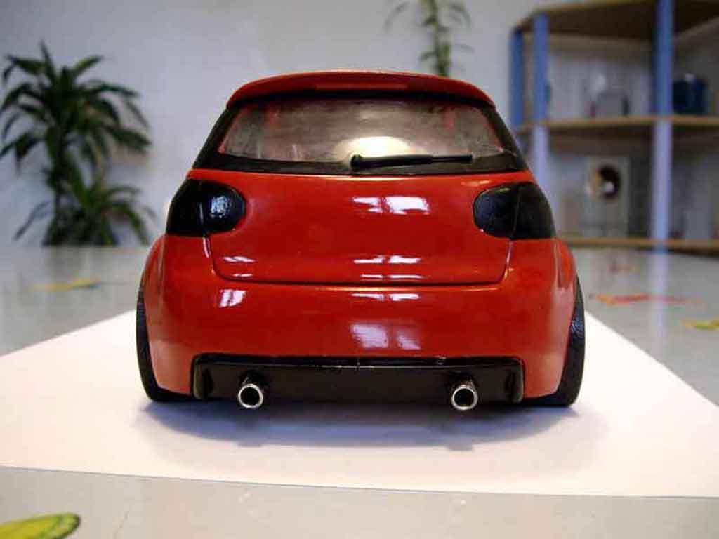 Volkswagen Golf V GTI zender rouge tuning Revell. Volkswagen Golf V GTI zender rouge miniature miniature 1/18