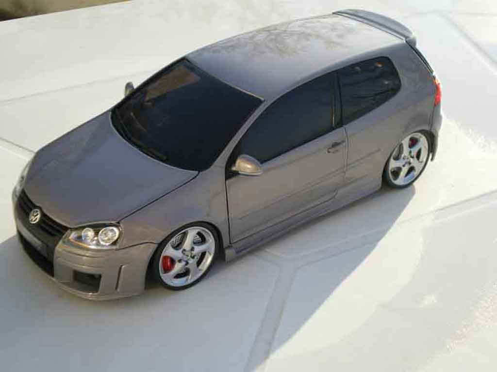 Volkswagen Golf V GTI 1/18 Norev zender jantes porsche