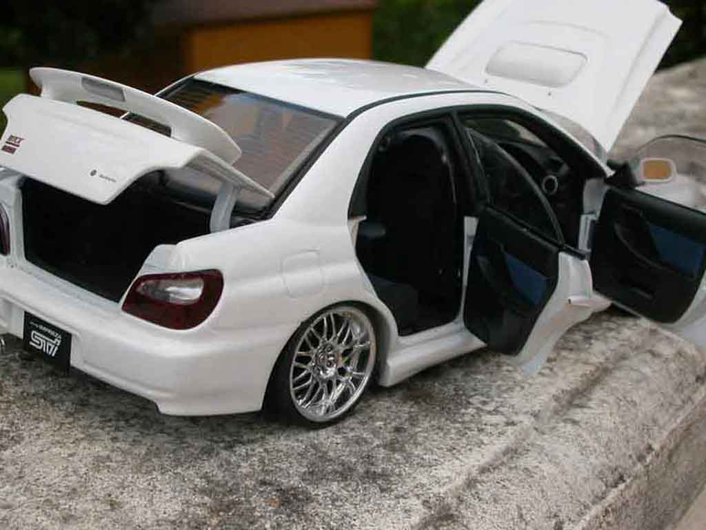 Subaru Impreza WRX 1/18 Autoart STI jantes roja