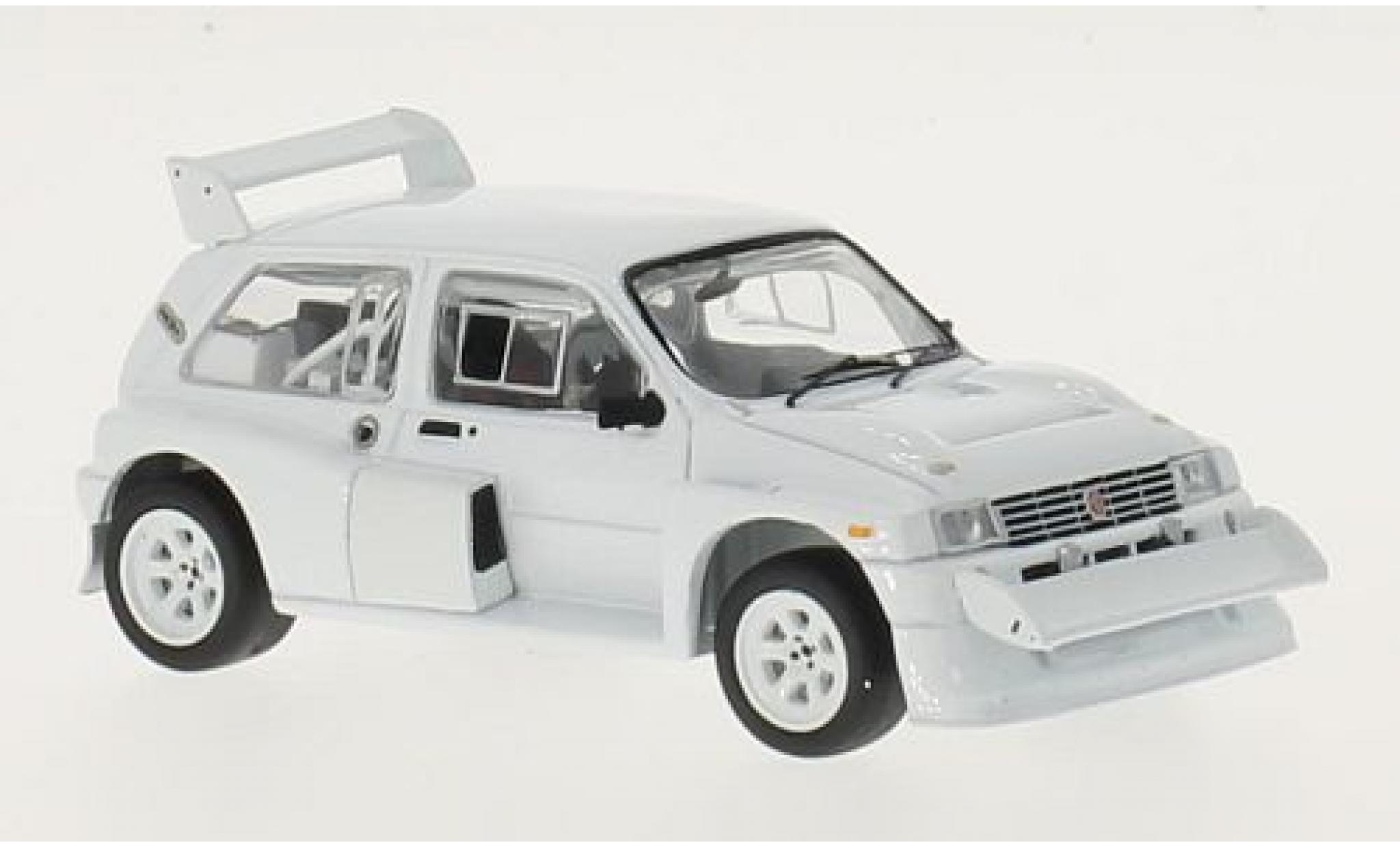 MG Metro 1/43 IXO 6R4 blanche RHD 1985 Plain Body Version y compris les 4 Ersatzräder