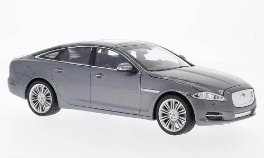 jaguar xj miniature grise 2010 welly 1 24 voiture. Black Bedroom Furniture Sets. Home Design Ideas