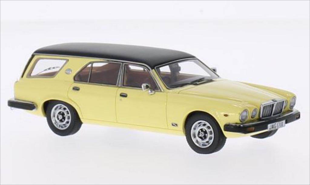 Jaguar XJ 1/43 Matrix SIII jaune/noire miniature