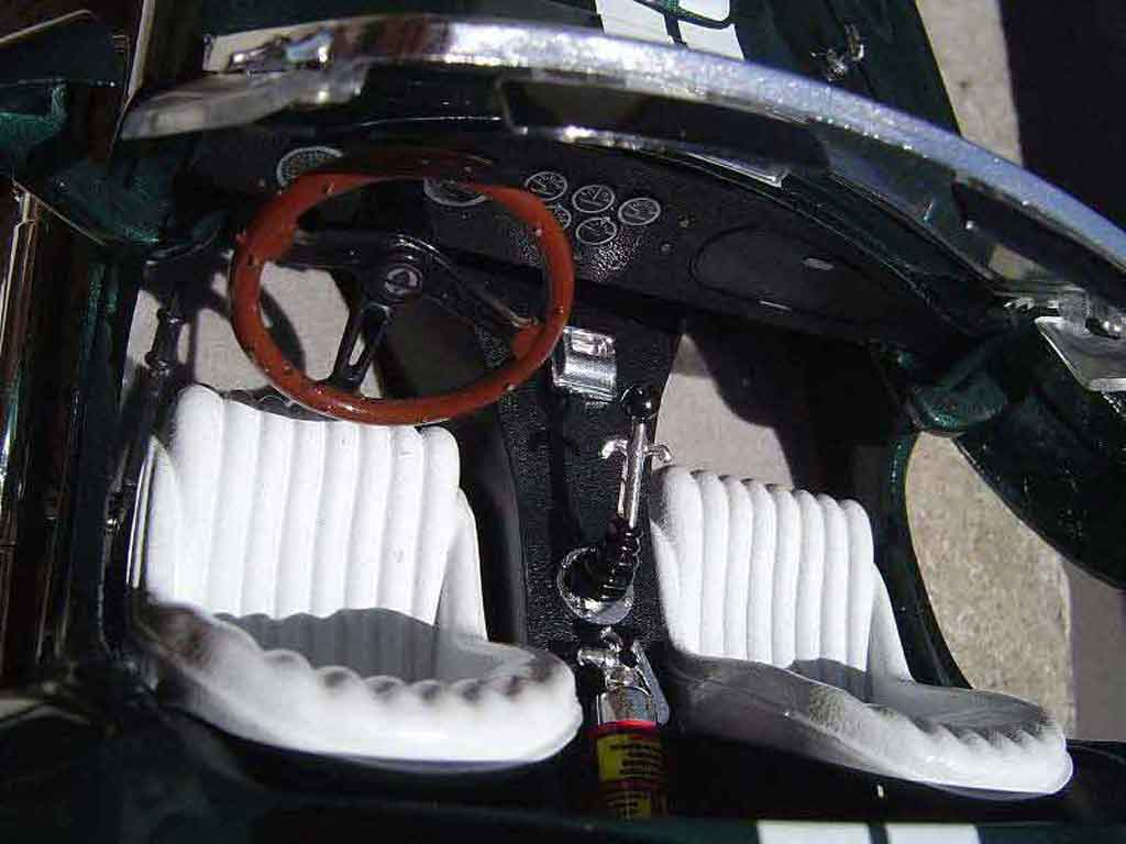 Shelby Ac Cobra 1/18 Yat Ming 427 s/c grun jantes gmp
