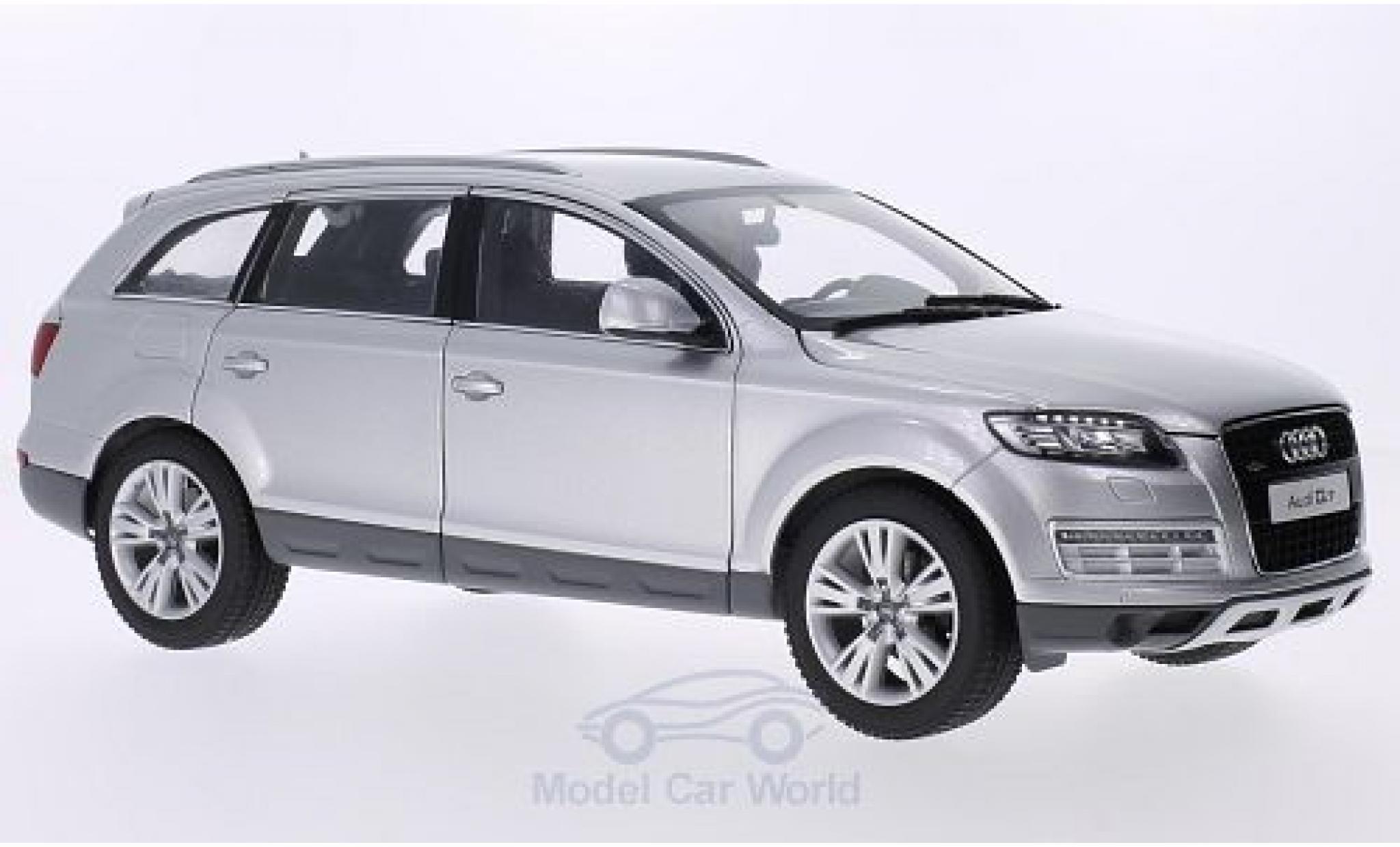 Audi Q7 1/18 Kyosho grise 2013