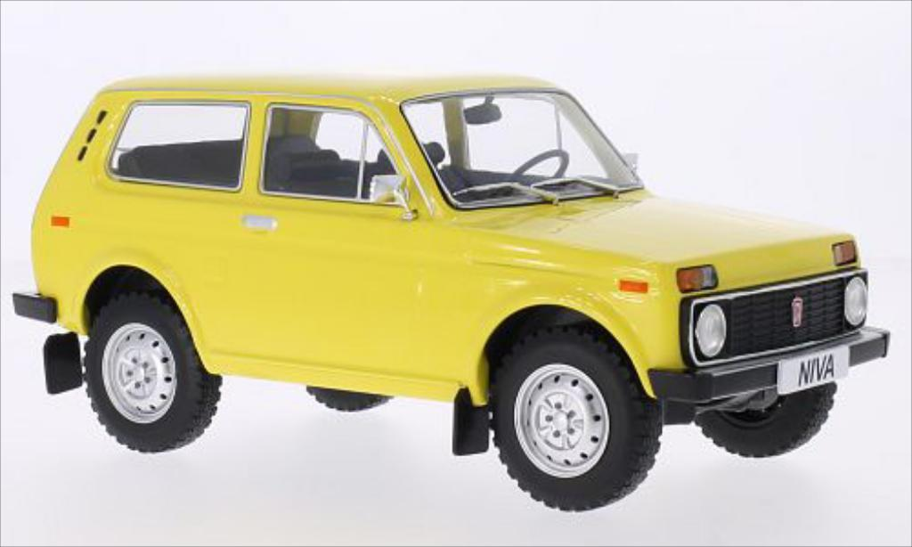lada niva 1600 yellow 1976 mcg diecast model car 1 18. Black Bedroom Furniture Sets. Home Design Ideas