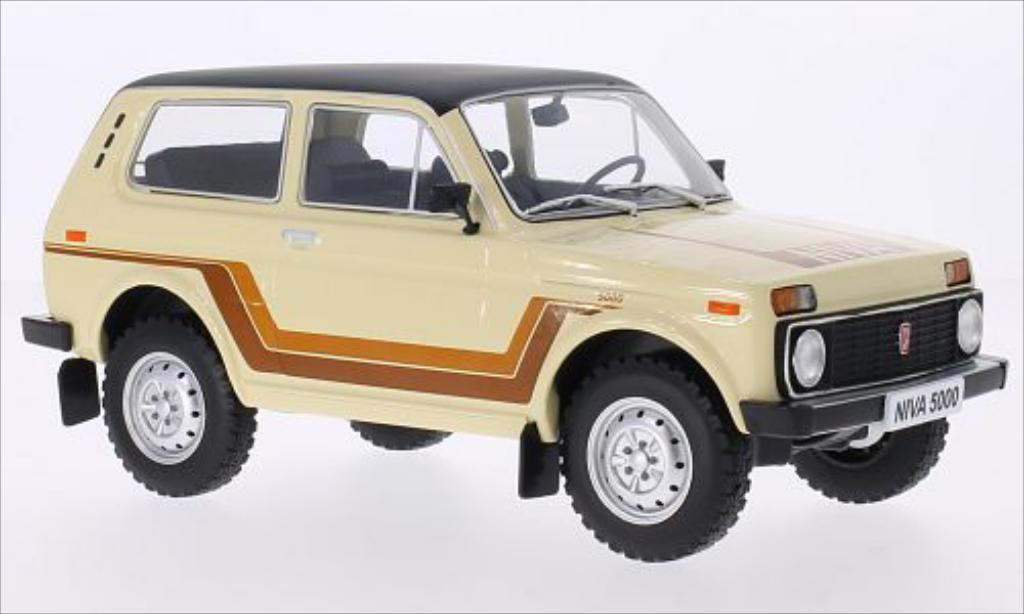 Lada Niva 1/18 MCG 5000 beige/Dekor 1981 miniature