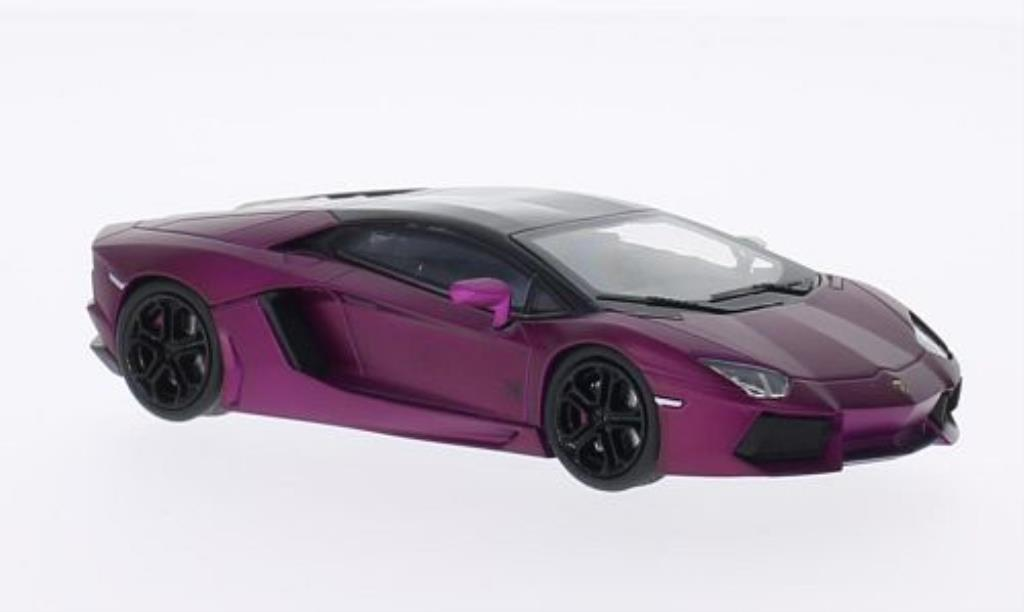 Lamborghini Aventador LP700-4 1/43 Welly matt-lila/noire miniature