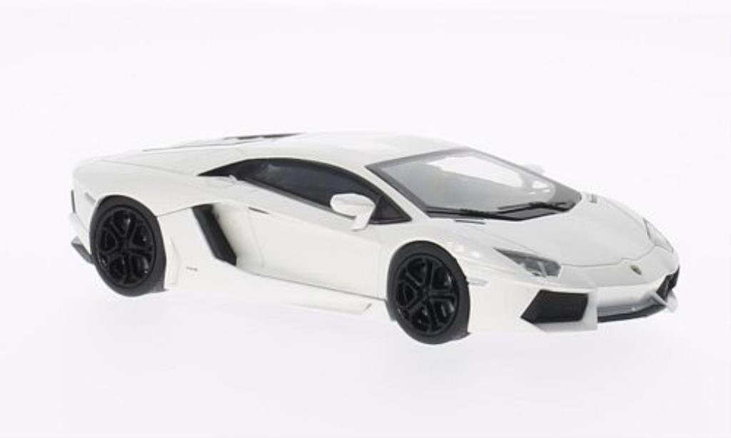 Lamborghini Aventador LP700-4 1/43 Welly blanche miniature