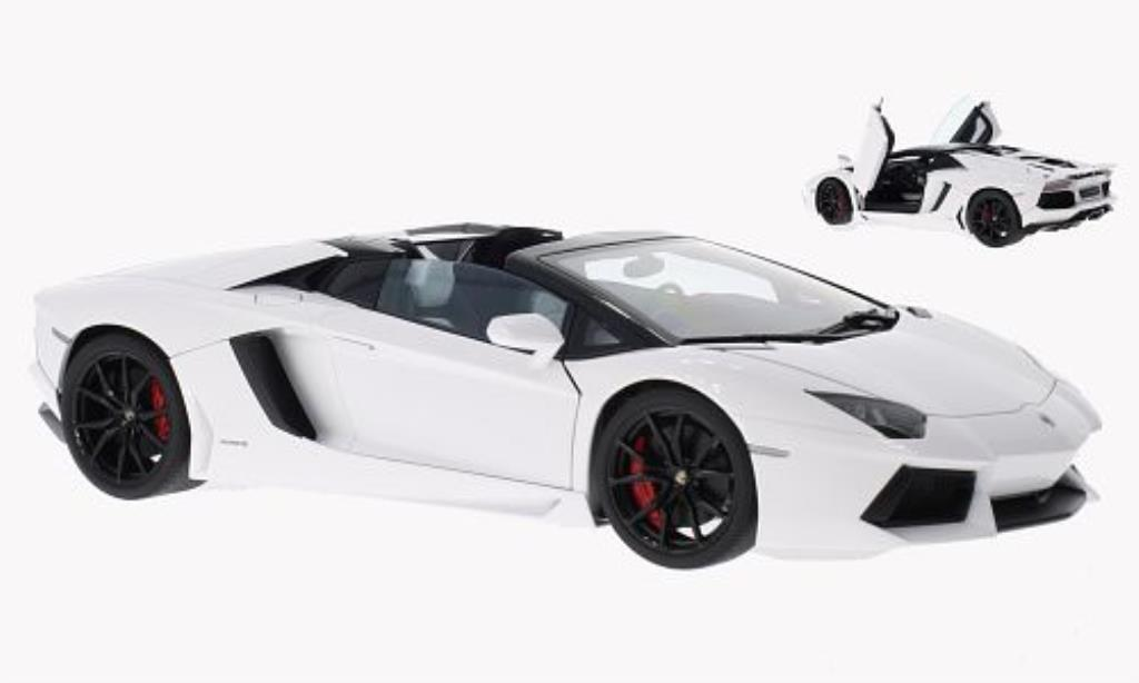 lamborghini aventador lp700 4 miniature roadster blanche 2013 autoart 1 18 voiture. Black Bedroom Furniture Sets. Home Design Ideas