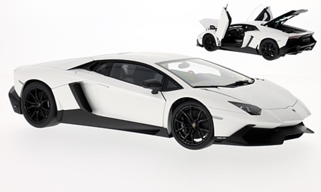 Lamborghini Aventador LP720-4 1/18 Autoart 50? Anniversario matt-blanche/matt-noire 2013 miniature