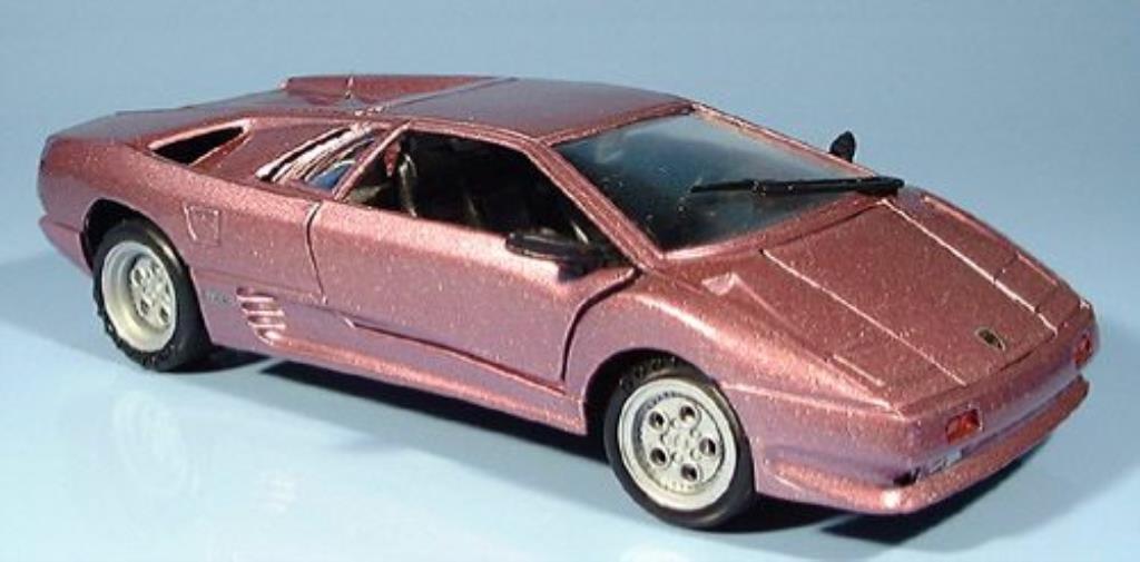 Lamborghini Diablo 1/24 Motormax lila miniature