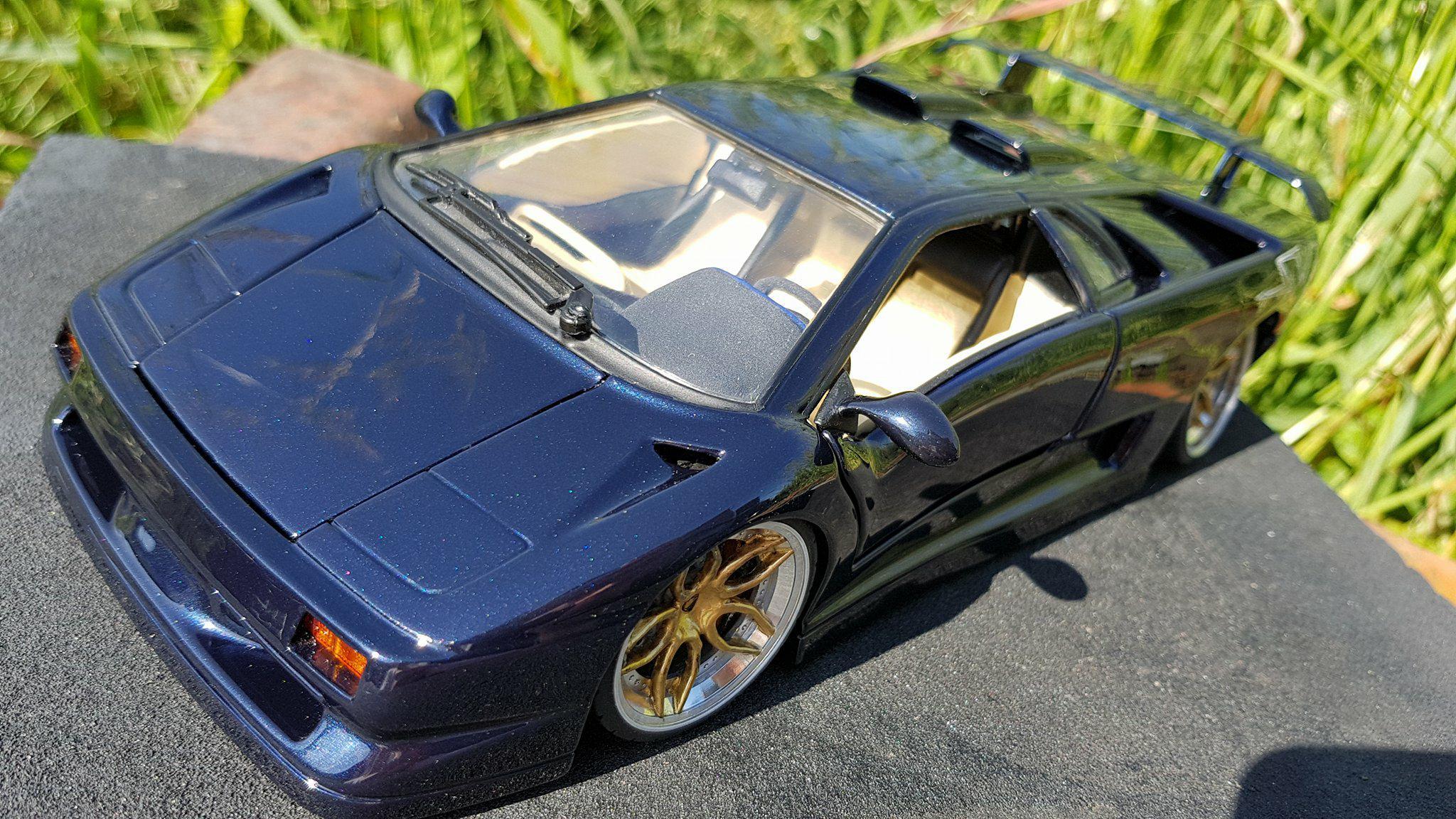 Modèle réduit Lamborghini Diablo SV blu fontus  jantes 20 pouces tuning Maisto. Lamborghini Diablo SV blu fontus  jantes 20 pouces miniature 1/18