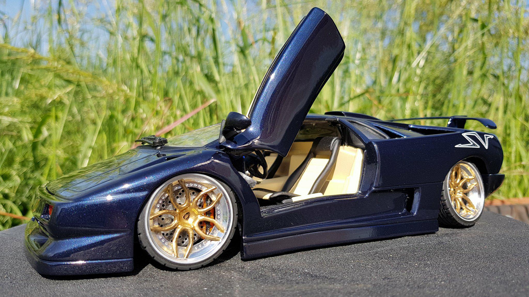 Voiture de collection Lamborghini Diablo SV blu fontus  jantes 20 pouces tuning Maisto. Lamborghini Diablo SV blu fontus  jantes 20 pouces miniature 1/18