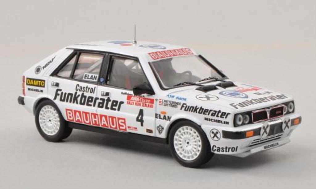 lancia delta miniature hf 4wd no 4 funkberater rally neuseeland 1987 j pattermann trofeu 1 43. Black Bedroom Furniture Sets. Home Design Ideas