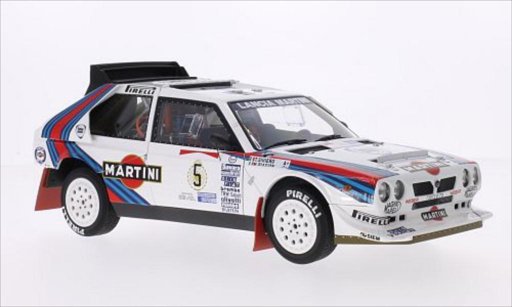 lancia delta s4 miniature no 5 martini rallye wm rallye argentinien 1986 t siviero autoart 1 18. Black Bedroom Furniture Sets. Home Design Ideas