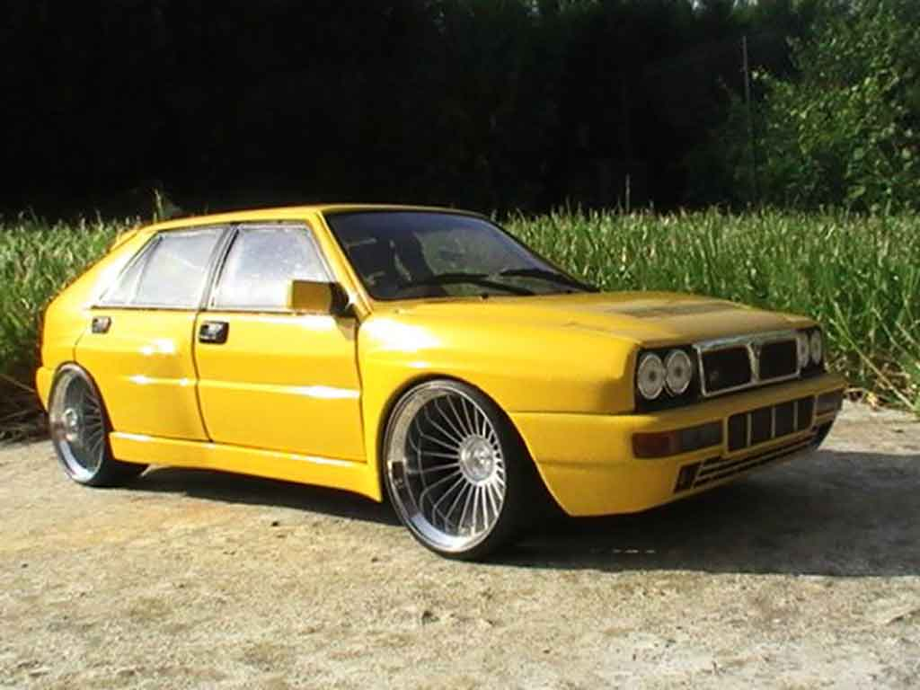 Lancia Delta HF Integrale 1/18 Ricko evolution 2 yellows jantes 19 pouces tuning diecast model cars