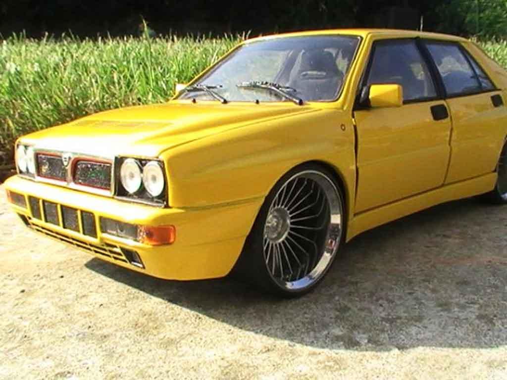 Lancia Delta HF Integrale 1/18 Ricko evolution 2 jaunes jantes 19 pouces