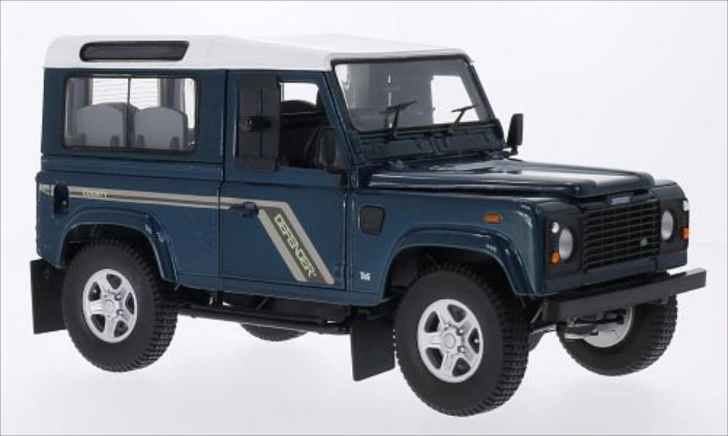 Land Rover Defender 1/18 Universal Hobbies 90 County Station Wagon metallise grun/blanco RHD 2004 coche miniatura