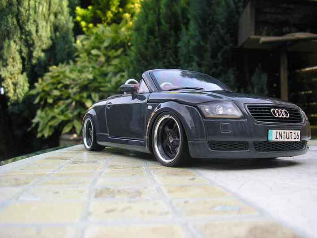 Audi TT Roadster 1/18 Maisto gris jantes porsche
