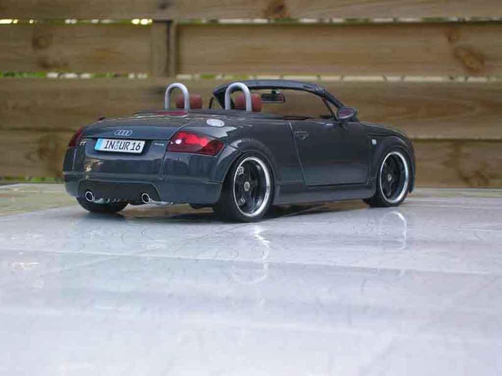 Audi TT Roadster 1/18 Maisto grau jantes porsche