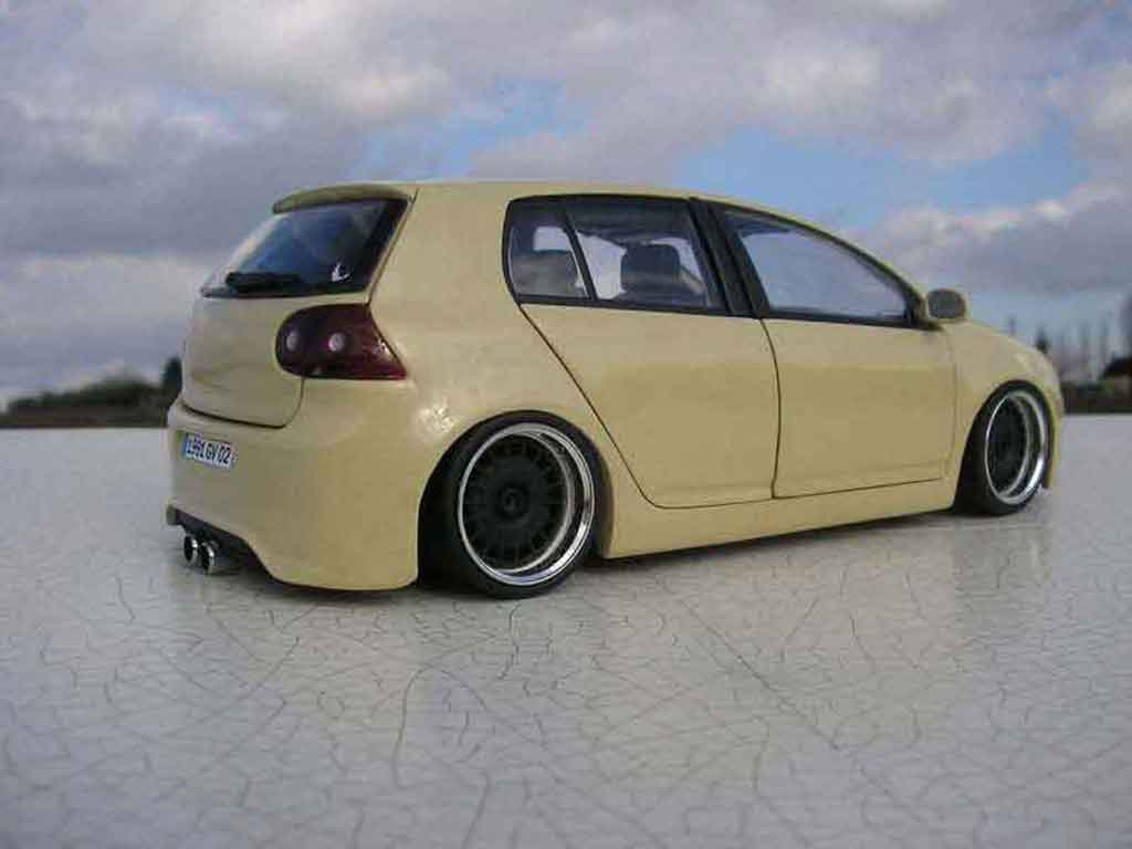 Volkswagen Golf V GTI 1/18 Burago german look tuning modellautos