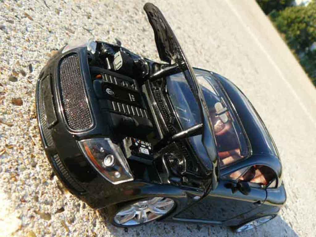 Audi TT coupe 1/18 Revell negro