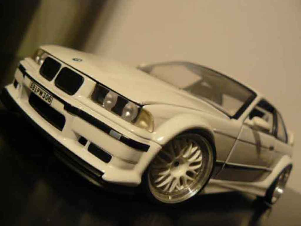 Bmw M3 E36 1/18 Ut Models GTR white jantes bbs bords larges tuning diecast