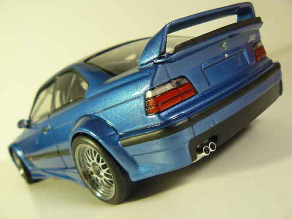 Bmw M3 E36 1/18 Ut Models GTR bleu estoril