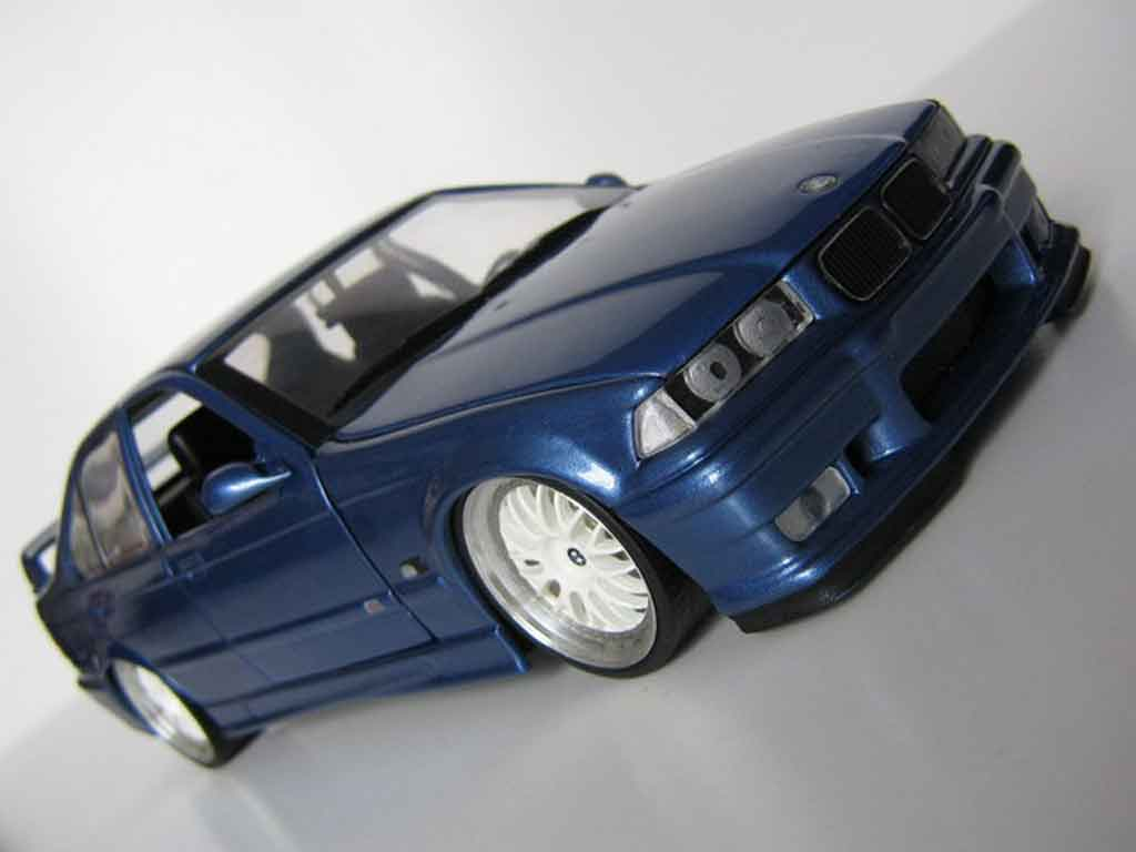 Bmw M3 E36 berline bleu estoril jantes bbs tuning Ut Models. Bmw M3 E36 berline bleu estoril jantes bbs miniature miniature 1/18