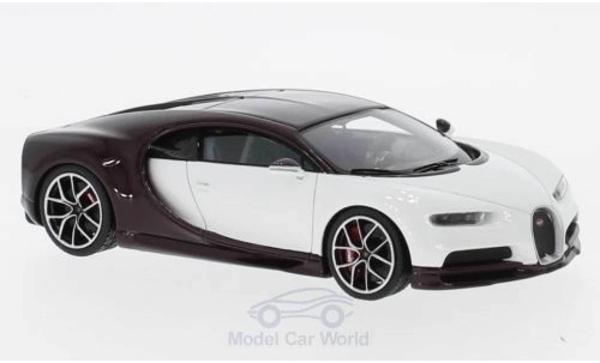 Bugatti Chiron 1/43 Look Smart white/dunkelpurple