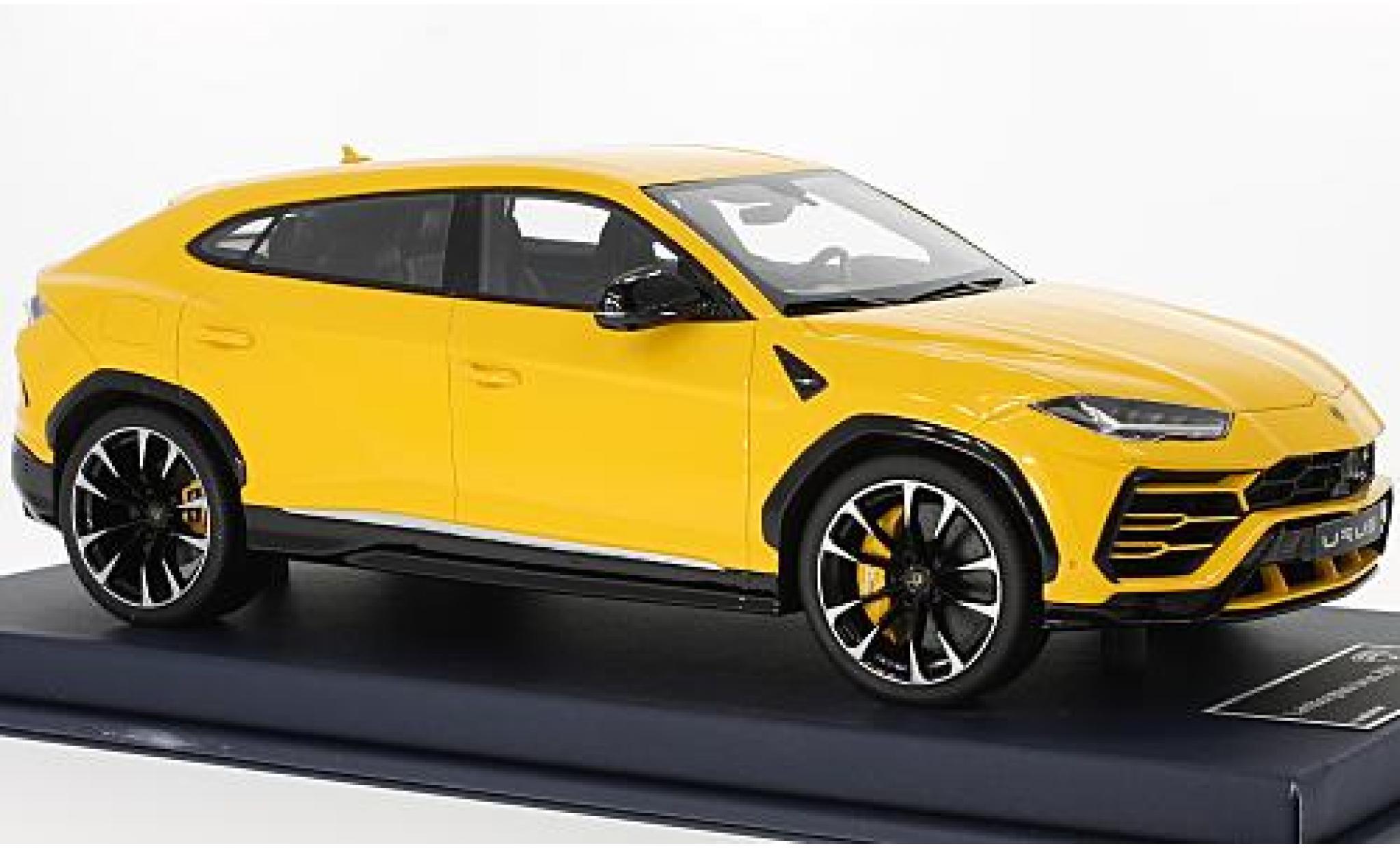 Lamborghini Urus 1/43 Look Smart yellow 2017