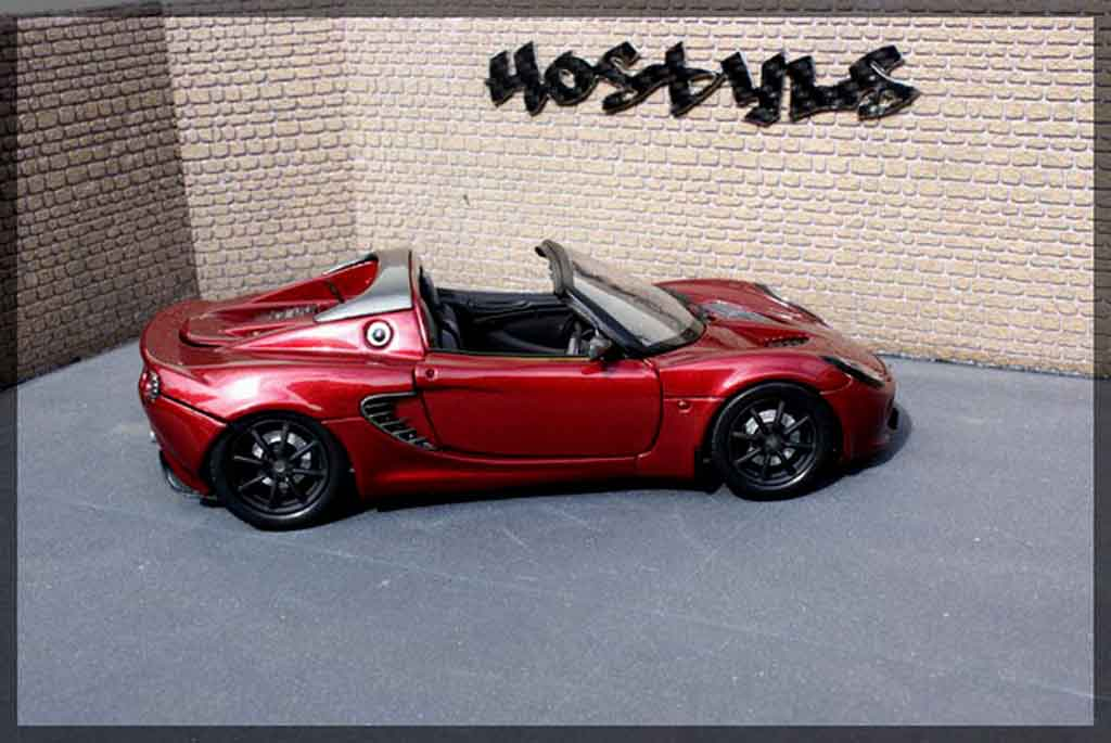 Lotus Elise 111S 1/18 Welly red / carbon