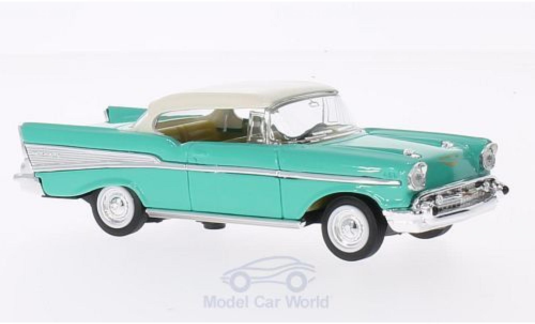 Chevrolet Bel Air 1/43 Lucky Die Cast verte/blanche 1957 ohne Vitrine