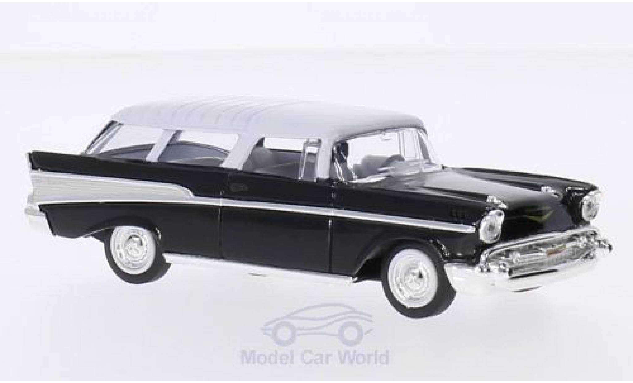 Chevrolet Nomad 1/43 Lucky Die Cast noire/blanche 1957 ohne Vitrine
