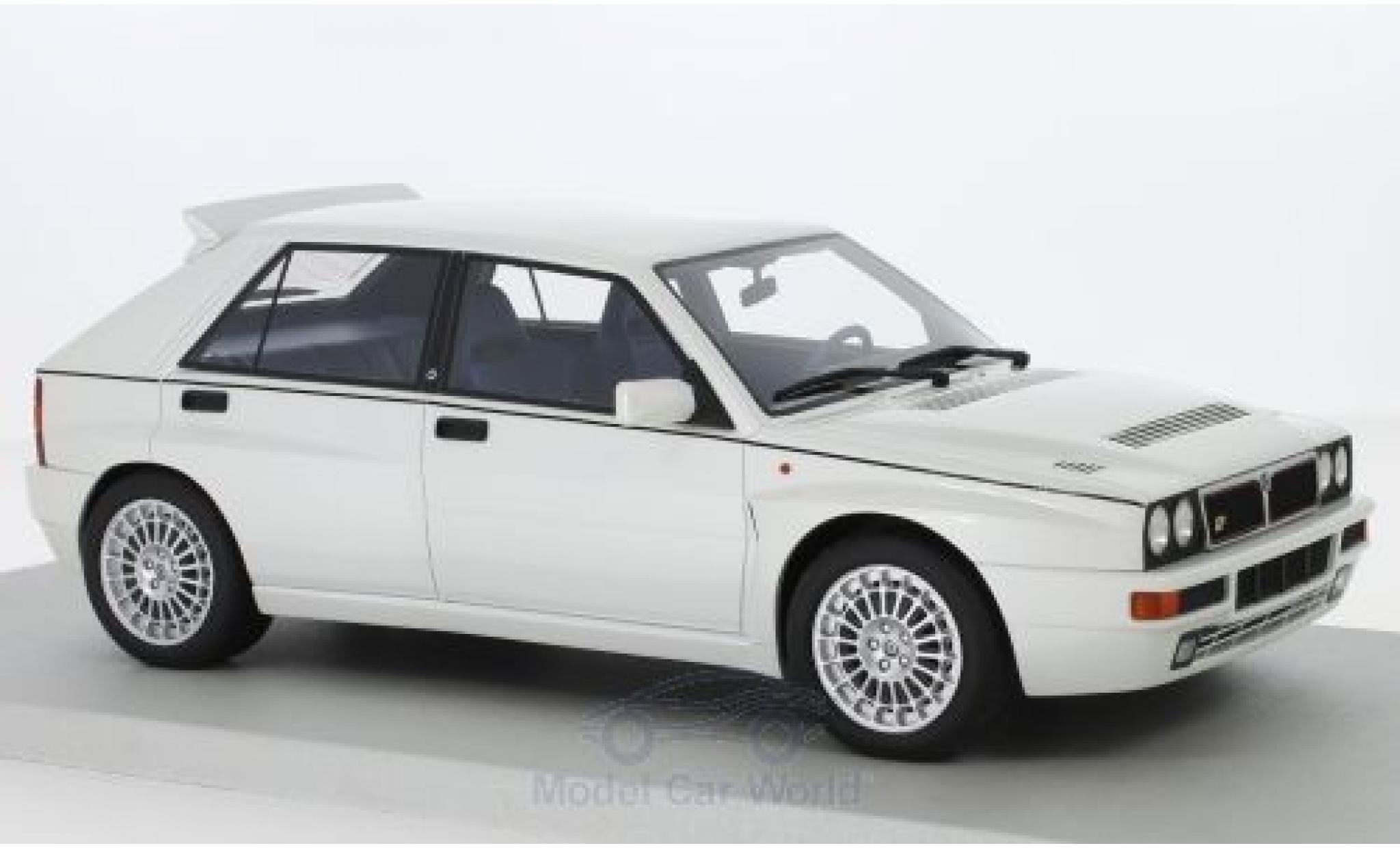 Lancia Delta 1/18 Lucky Step Models Integrale Evo II metallise blanche
