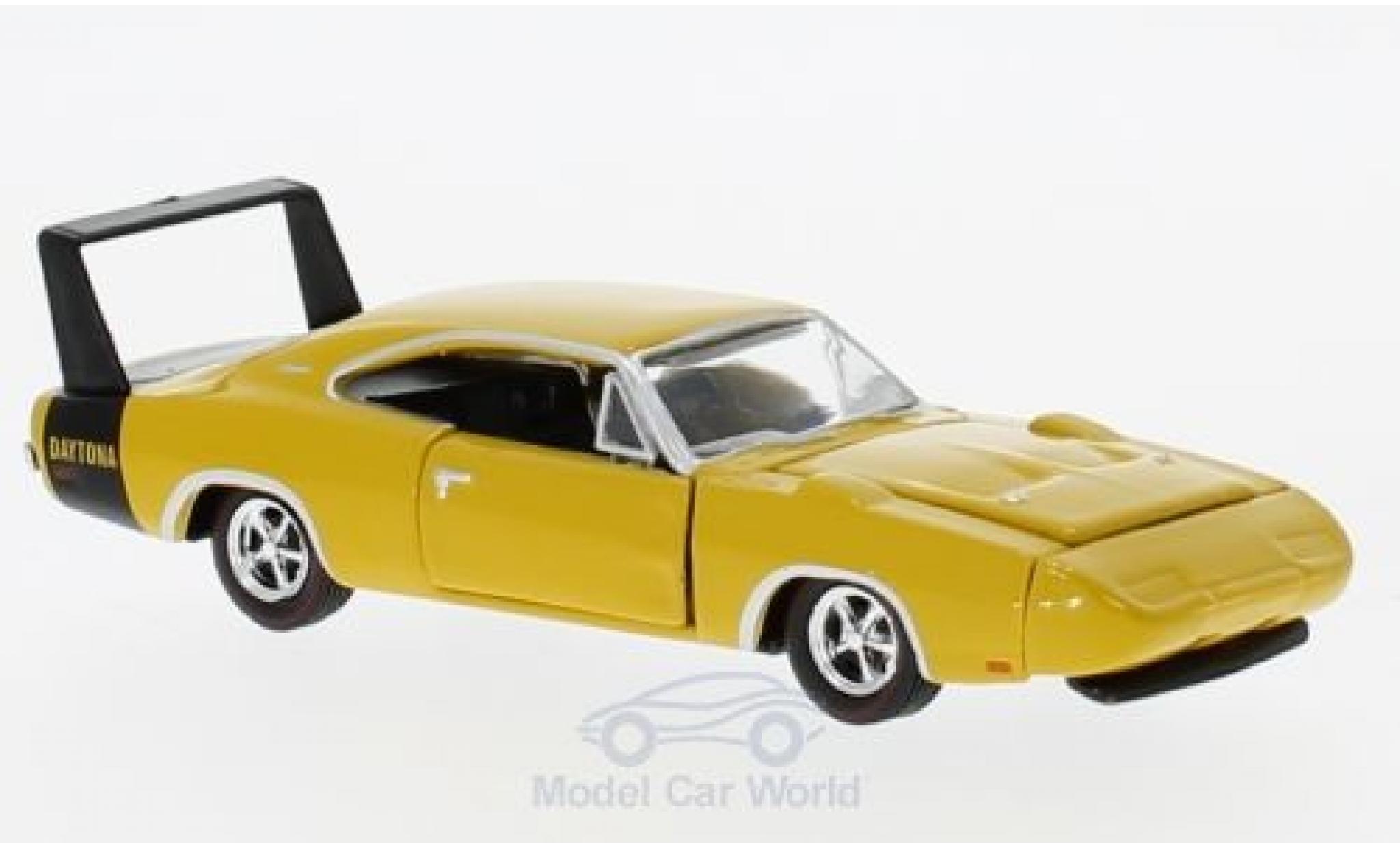 Dodge Charger Daytona 1/64 M2 Machines Daytona 440 yellow 1969
