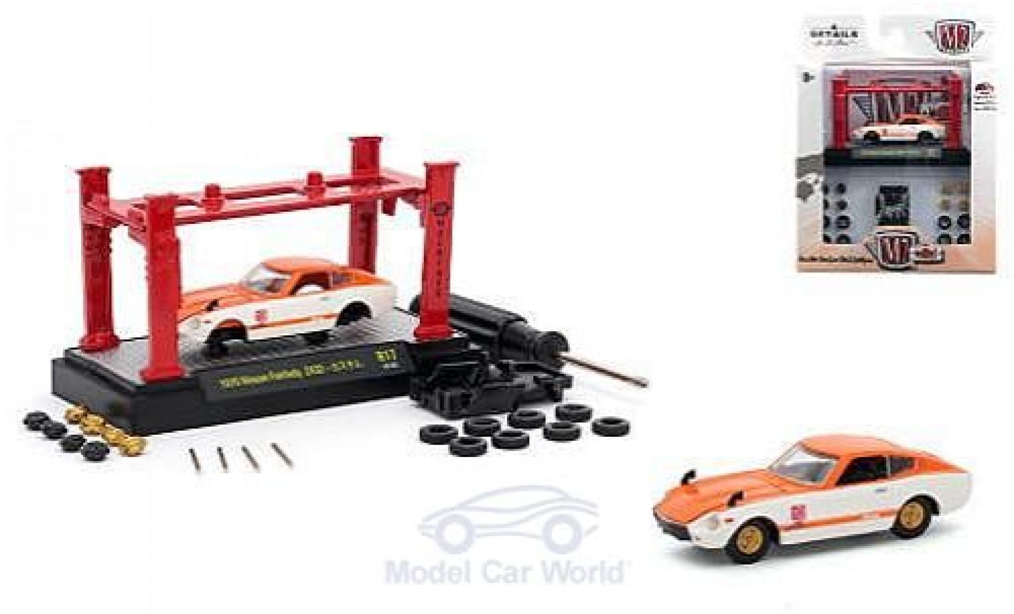 Nissan Fairlady Z 1/64 M2 Machines 432 orange/blanche 1970 Model-Kit Bausatz inklusive 4 Ersatzrädern