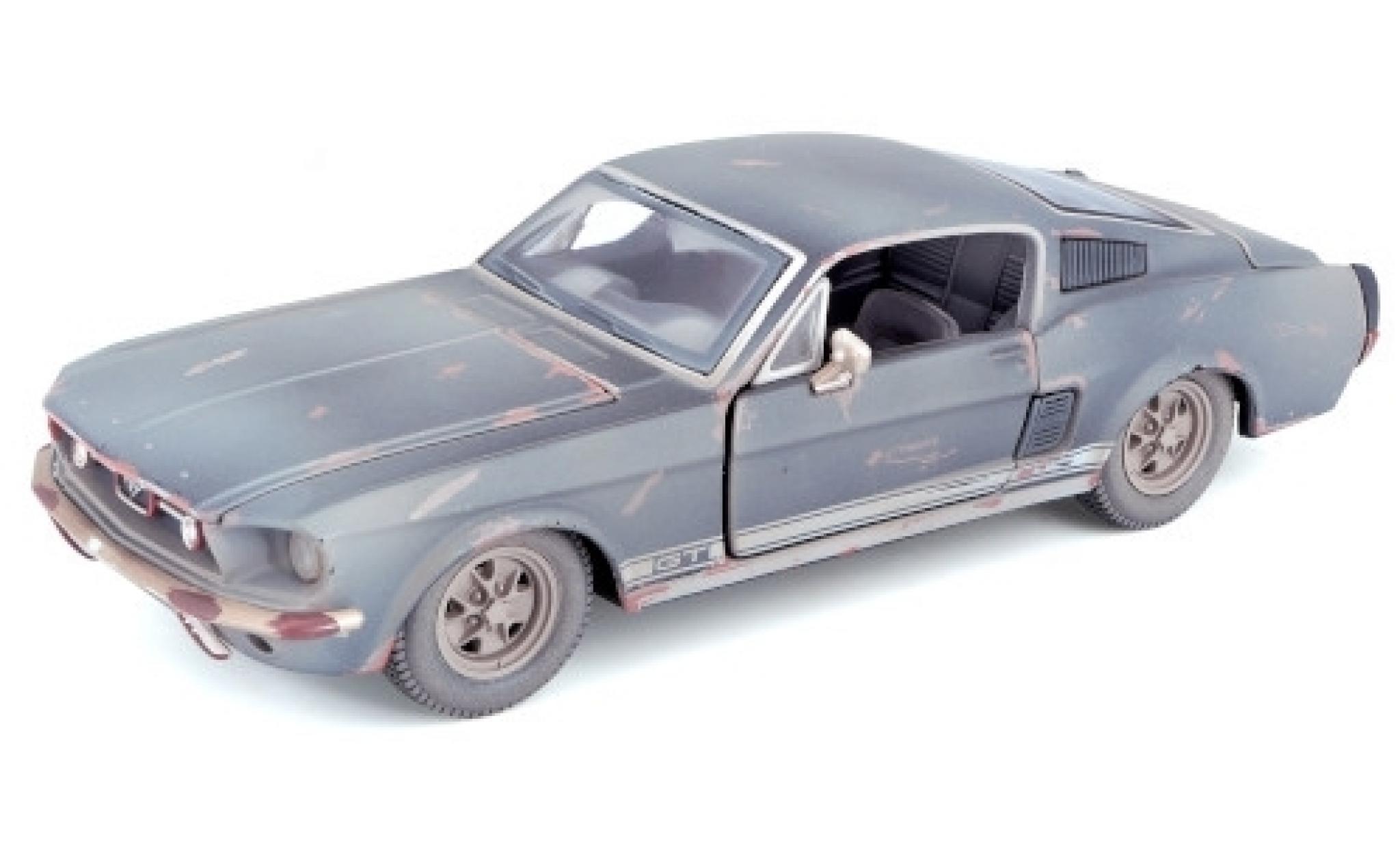 Ford Mustang 1/24 Maisto GT Fastback black 1967 trouvaille de grange avec traces de vieilissement