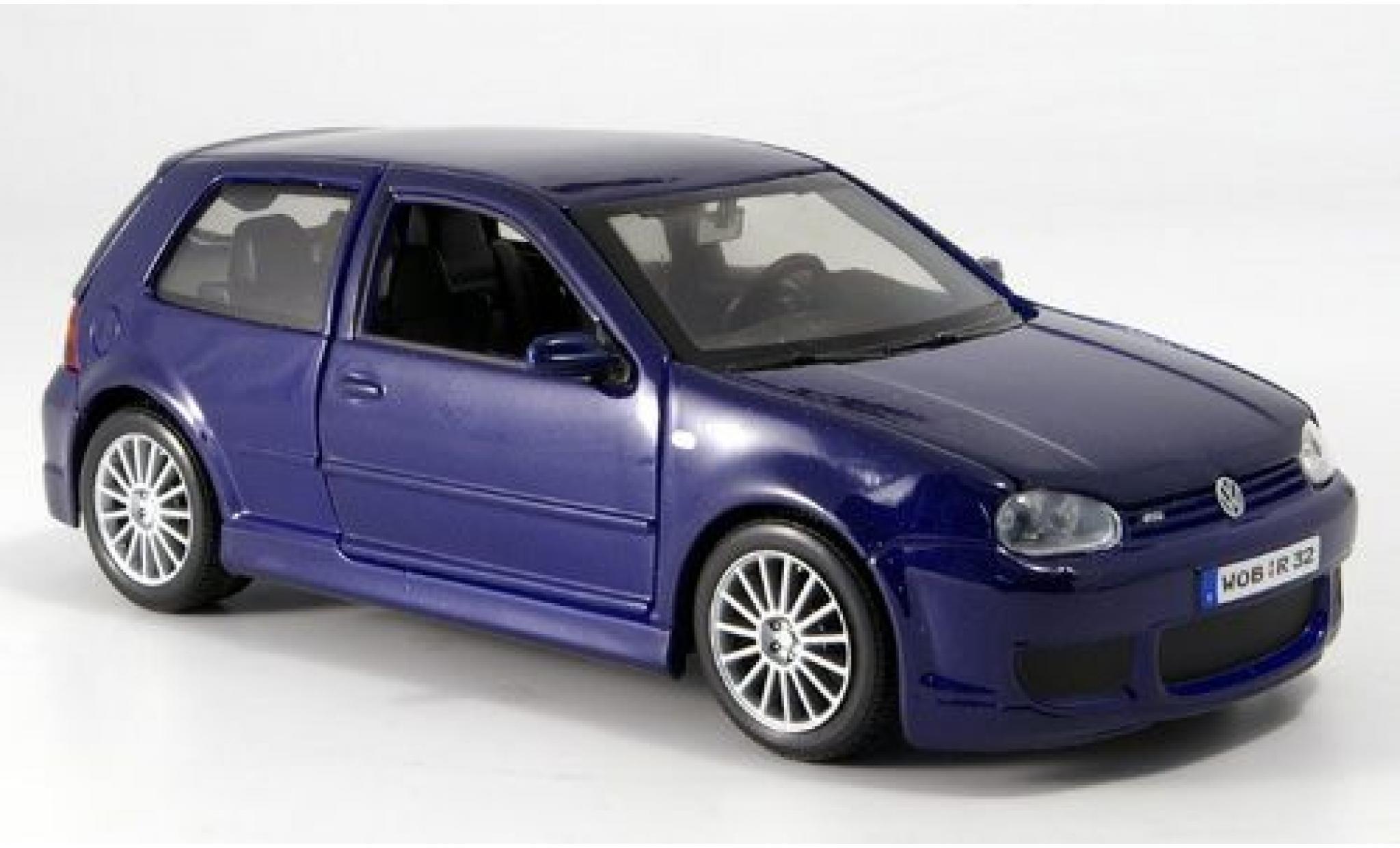 Volkswagen Golf 1/24 Maisto IV R32 bleue 2006 sans Vitrine