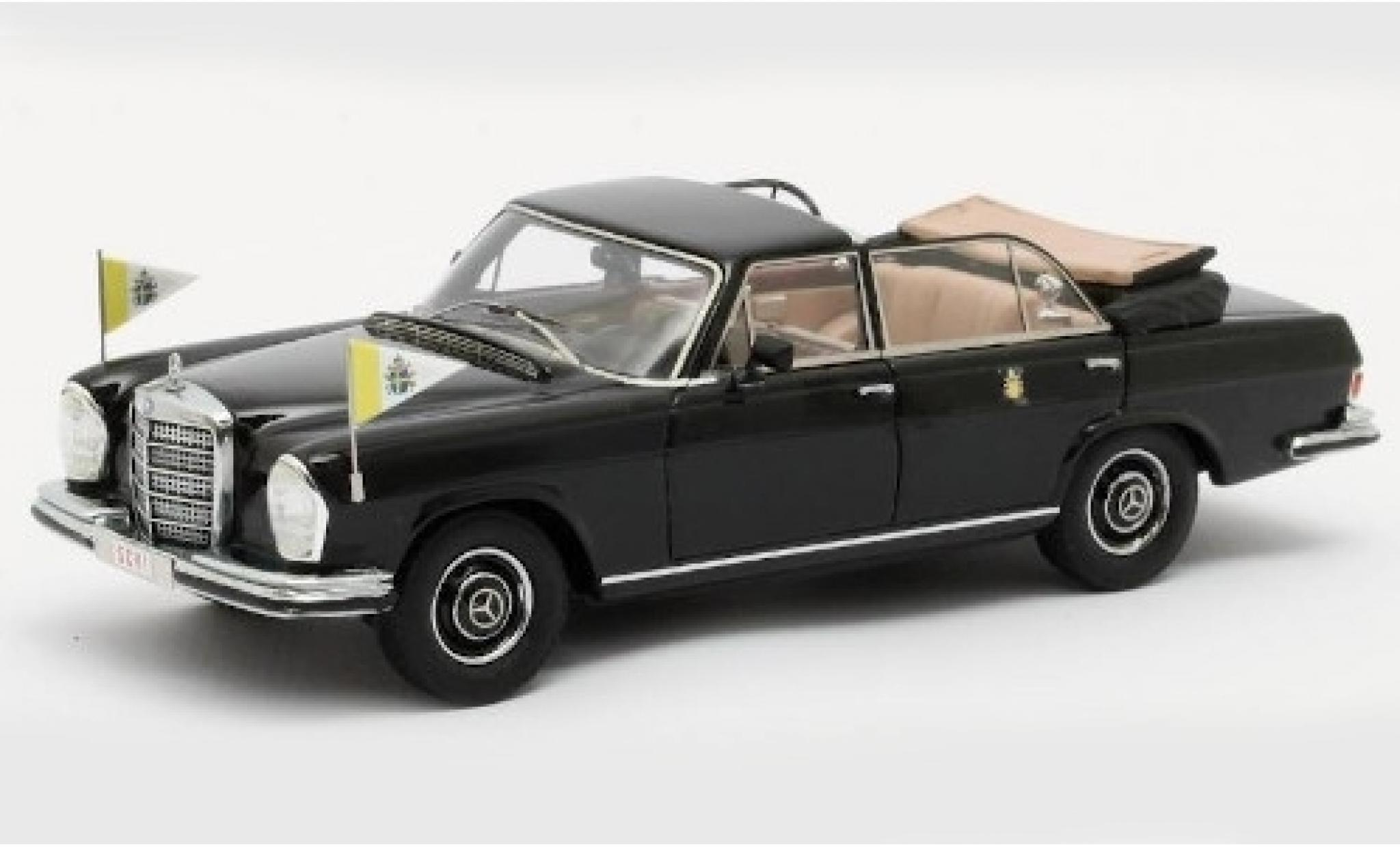 Mercedes 300 1/43 Matrix SEL Landaulette noire Vatikan 1951 mit Standarten