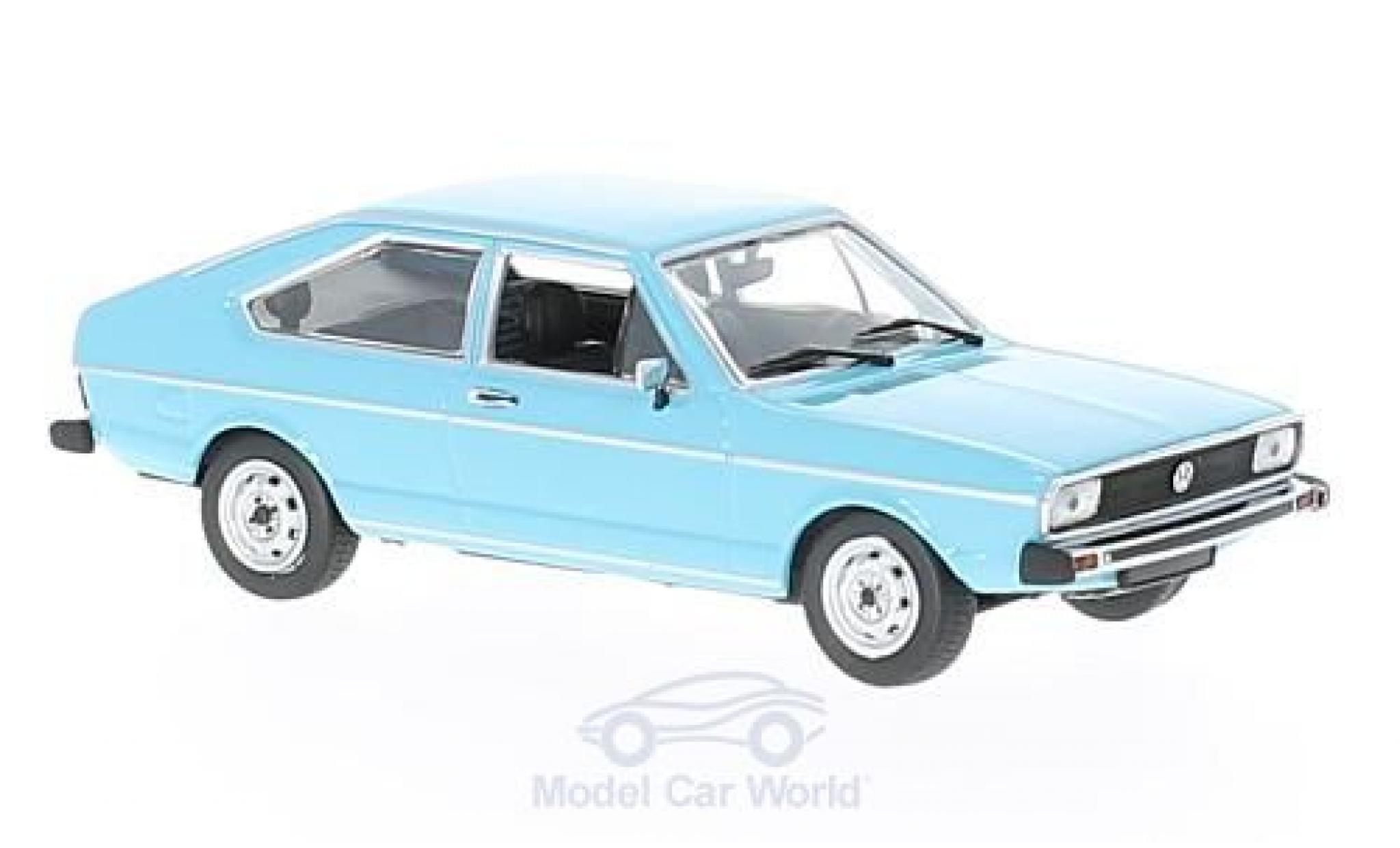 Volkswagen Passat 1/43 Maxichamps bleue 1975